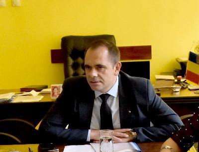 Domnul Emil DRĂGĂNESCU - Subprefectul Județului Prahova