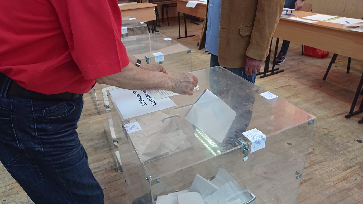 ANUNȚ-Programul după care vor fi plătite indemnizațiile personalului din secțiile de votare din Ploi